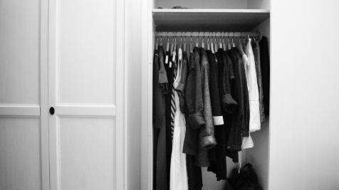 Ein luftiger Kleiderschrank - ist möglich und macht glücklich, souverän und stilsicher.